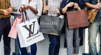 What is the size and scope of the online luxury fashion market in India?