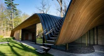 Partisans Create Canadian Fold House That Blends With Nature